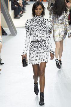 Louis Vuitton - Monochrome trend - Autumn/Winter 2015/16