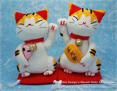 Maneki Neko (Lucky Cat)  Amigurumi Pattern PDF File Maneki Neko, Crochet Amigurumi Free Patterns, Crochet Toys, Cat Amigurumi, Kokeshi Dolls, Crochet Hook Sizes, Cat Pattern, Yarn Colors, Crochet Projects