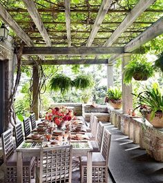 """Nicholas Hayman az Instagramon: """"Wonderful pergola outside eating area at the Maine home of Martha Stewart as featured in Architectural Digest a while back. Stunning! Thank…"""""""