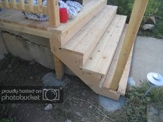 Mommy How To's: Building a Porch Deck Over Concrete, Concrete Stairs, Repairing Concrete Steps, Front Porch Steps, Deck Steps, Diy Backyard Fence, Porch Stairs, Stair Railing, Outside Steps