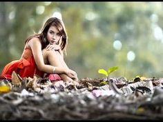 Daydreaming images Autumn Girl wallpaper and background photos . Senior Photos Girls, Senior Girls, Senior Pictures, Girl Pictures, Figure Photography, Senior Photography, Creative Photography, Photography Ideas, Autumn Photography