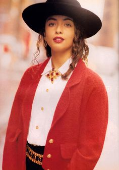 Naomi Kaltman for Flare magazine, September 1989. Accessories by Chanel.