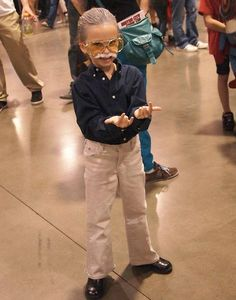 Little girl cosplaying as Stan Lee. WORLD'S. BEST. COSPLAY. TOO AWESOME!!