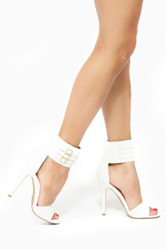 Shoe Repulic LA Triple Buckle Ankle Strap Sandal Heel