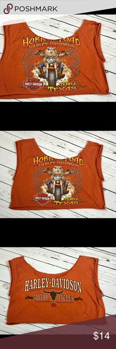 XL Harley Davidson cutoff tee crop top Texas UT Vintage plus size crop Top cutoff tee with Horney Toad Harley Davidson on the front, and the UT Texas Horns in the back. The color of the shirt is the UT Austin burnt orange color.   Fits a size XL or XXL but can be worn baggy as well.  Bust 42 in  Waist 44 in  Length 17 in Vintage Tops Crop Tops