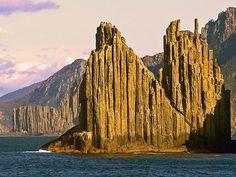 Sheer cliffs on the Tasman Peninsula