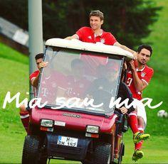Football Troll, Football Soccer, German National Team, Dfb Team, Carlo Ancelotti, Robert Lewandowski, Munich Germany, Team Player, Geek Humor