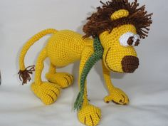 Snoopy Easy Amigurumi Pattern : Woodstock amigurumi free crochet pattern. woodstock is standing at