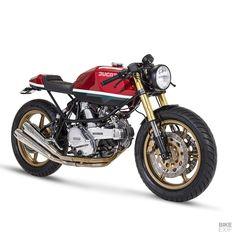 A Ducati Pantah built for a car designer Ducati Cafe Racer, Cafe Racer Motorcycle, Motorcycle Gear, Moto Guzzi, Peugeot, Modern Cafe Racer, Italian Colors, Honda, Gold Wheels