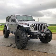 ✔ Please doubletab and tag a Friend below Good morning Jeepers ‼️ Double tap 🔥 Jeep Wrangler Lifted, Jeep Suv, Lifted Chevy Trucks, Jeep Wrangler Rubicon, Jeep Cars, Jeep Truck, Jeep Wranglers, Car Chevrolet, Cool Jeeps