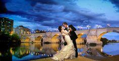 Alfredo y Esther. Puente de Piedra. Zaragoza