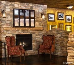 Fireplace: Rustic SOUTHERN LEDGESTONE - Cultured Stone® Brand_Manufactured Stone Veneer