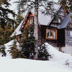 Best Ideas For House In The Woods Snow Winter Wonderland Winter Cabin, Winter Love, Cozy Cabin, Winter Snow, Beautiful Homes, Beautiful Places, Winter Schnee, Cabin In The Woods, Cabins And Cottages