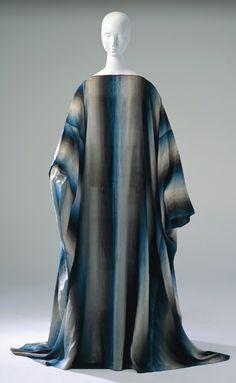 Dagobert Peche - Caftan in 'Rainbow', silk with printed pattern of stripes with tonal gradation, ca. 1919.