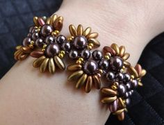 Bracciale tessuto a mano con perle di SognantiStelleBijoux su Etsy