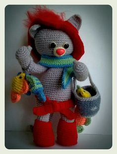 Вязаный котик Тишка-рыбачок - игрушка по авторской схеме Румянцевой Светланы. Игрушка амигуруми цельновязаная, с проволочным каркасом.