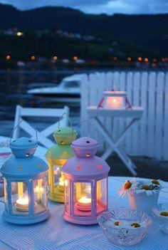 love the lanterns. Ramadan Kareem Pictures, Ramadan Images, Decoraciones Ramadan, Ramadan Lantern, Ramadan Decorations, Beautiful Nature Wallpaper, Candle Lanterns, Ikea Lanterns, Jolie Photo