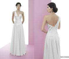 Elise #miquelsuay #bridalcollection Bridal Collection, Backless, Formal Dresses, Fashion, Confident Woman, Curves, Princess, Women, Moda