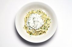 How To Make Spaghetti With Herbed Ricotta And Garlic