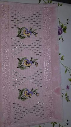 This Pin was discovered by Özl Cross Stitch Needles, Cross Stitch Borders, Embroidery Techniques, Handicraft, Needlework, Embroidery Designs, Diy And Crafts, Artwork, Bath Linens