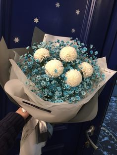 Distinctive Gifts Mean Long Lasting Recollections Flowerfim , . How To Wrap Flowers, Bunch Of Flowers, Dried Flowers, Fresh Flowers, Beautiful Flowers, Beautiful Flower Arrangements, Floral Arrangements, Flower Packaging, Hand Bouquet
