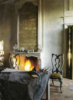 There is no place more delightful than one's own fireplace. Beautiful Interiors, Beautiful Homes, French Interiors, Chinoiserie, Fireplace Design, Fireplace Seating, Light My Fire, Classic Interior, French Country Style