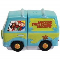 Cartoons Scooby Doo and Gang in Mystery Machine Van Salt & Pepper Shaker S/P Set