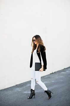 WHITE TEE: SHOP TOBI JACKET: NASTY GAL JEANS: TOPSHOP (OLD) SIMILAR HERE, HERE SHOES: RACHEL ZOE SUNNIES: KAREN WALKER PHOTOS BY: JESSA KAE Hope you enjoyed your weekend! This black velvet cape is so versatile, and will make any…
