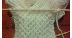 Sukkaa pukkaa epätasaisen tasaisesti. Pienen tytön (suur)perheen äiti, joka kirjoittelee arjen pienistä asioista. Crochet Socks, Knitting Socks, Baby Knitting Patterns, Mittens, Tatting, Sewing, Diy, Crocheting, Slippers