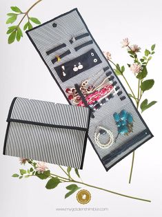 PDF pattern for a Jewelry travel case
