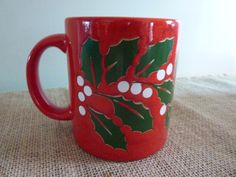WAECHTERSBACH GERMANY RED CHRISTMAS MUG~VINTAGE ~HOLLY BERRIES~MINT CONDITION