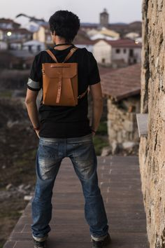 Leather backpack. Leather bag. Vintage model bag by Ludena. Laptop bag, for work and for going out with friends.