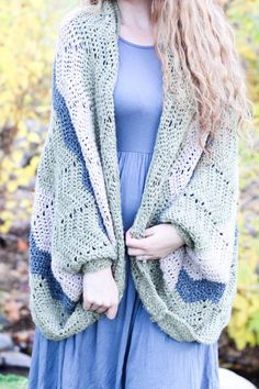 Timber Shrug - Free Crochet Pattern — Hooked On Tilly Crochet Jacket, Crochet Shawl, Free Crochet, Knit Crochet, Cool Patterns, Crochet Patterns, Poncho Patterns, Stitch Witchery, Yarn Bee
