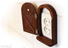Znalezione obrazy dla zapytania drzwiczki na gniazdko elektryczne