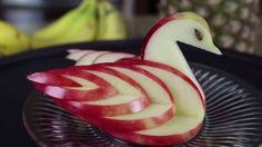 Как сделать лебедя из яблока: лайфхак Еда & Рецепты