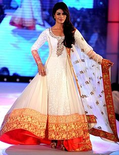 Manish Malhotra - red and white anarkali - red anarkali - Indian bride - Indian couture #thecrimsonbride
