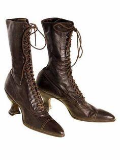 Victorian Ladies Julia Marlowe Boots w/Louis Spool Heels Brown 1900 Size 6 NWOT Vintage Boots, Vintage Outfits, Vintage Fashion, Vintage Closet, Vintage Clothing, Victorian Shoes, Victorian Women, Victorian Era, Vintage Inspired Shoes