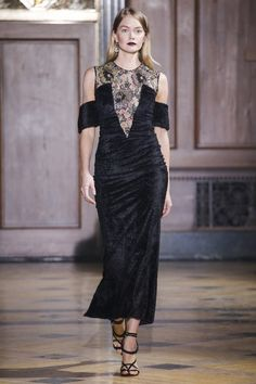 Sophie Theallet Fall 2016 Ready-to-Wear Collection Photos - Vogue 2000s Fashion, Runway Fashion, High Fashion, Fashion Show, Fashion Fashion, Sophie Theallet, Fall 2016, Timeless Fashion, Ready To Wear