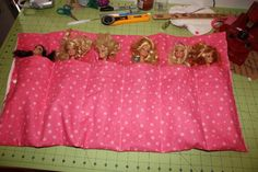 Barbie doll roll carrier - via @Craftsy - Just under 13cms wide for the pockets. Pockets are 27cm high. Whole thing measures 65x37.5cms