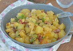 Patate e broccoli sabbiosi, facili veloci e saporiti, un contorno appetitoso che si può mangiare da solo o con qualsiasi tipo di carne.