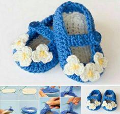 Vintage Daisy Mary Jane Slippers FREE Crochet Patterns