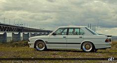 TCL hot shizz (post your pics) E28 Bmw, E30, Bmw Vintage, Edm Music, Bmw Cars, Car Manufacturers, Automobile, Camps, Transportation