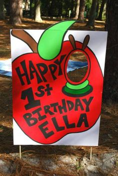 Hungry caterpillar photo prop -- see blog for more ideas! #hungrycaterpillar #birthday #firstbirthday