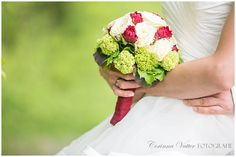 Brautstrauss Rot Weiss Grün | Wedding Bouquet Red White Green | Corinna Vatter Fotografie