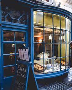 Shop windows of the world... Big small chic kitsch cute colourful creative little pieces of art. I love you all! . . . . . #nabateaconceptstore #nabateawanderings #welivetoexplore #exploretocreate #travelgram #lonelyplanet #inspiremyinstagram #bevisuallyinspired #visualsoflife #visualambassadors #doorsofinstagram #doorandwindows #thegreatoutdoors #gooutandshoot #theeverydayproject #seekinspirecreate #tv_pointofview #still_life_gallery #stilllife #simplethingsmadebeautiful #thehappynow…
