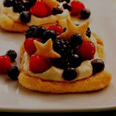 Cheese cake & Stars via Betty Crocker   http://m.bettycrocker.com/recipes/berry-lemon-cheesecake-squares/a550607e-0bee-4064-9885-6d02cc9b4268