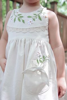 Kids Summer Dresses, Little Girl Dresses, Sewing Kids Clothes, Baby Kids Clothes, Kids Dress Wear, Baby Girl Dress Patterns, Kids Frocks Design, Frocks For Girls, Cute Outfits For Kids