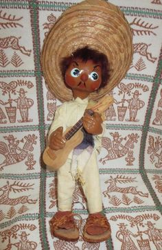 VINTAGE SOUVENIR Mexican Hand Crafted Doll Painted Face Guitar Player Straw Hat