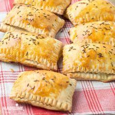 Brunch Recipes, Cake Recipes, Hand Pies, Food Cakes, Croissant, Empanadas, Ricotta, Cooking Recipes, Bread
