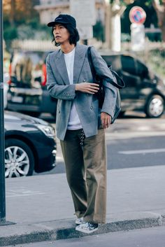 How 21 Parisian Men Stay Stylishly Ahead of the Menswear Curve Photos | GQ